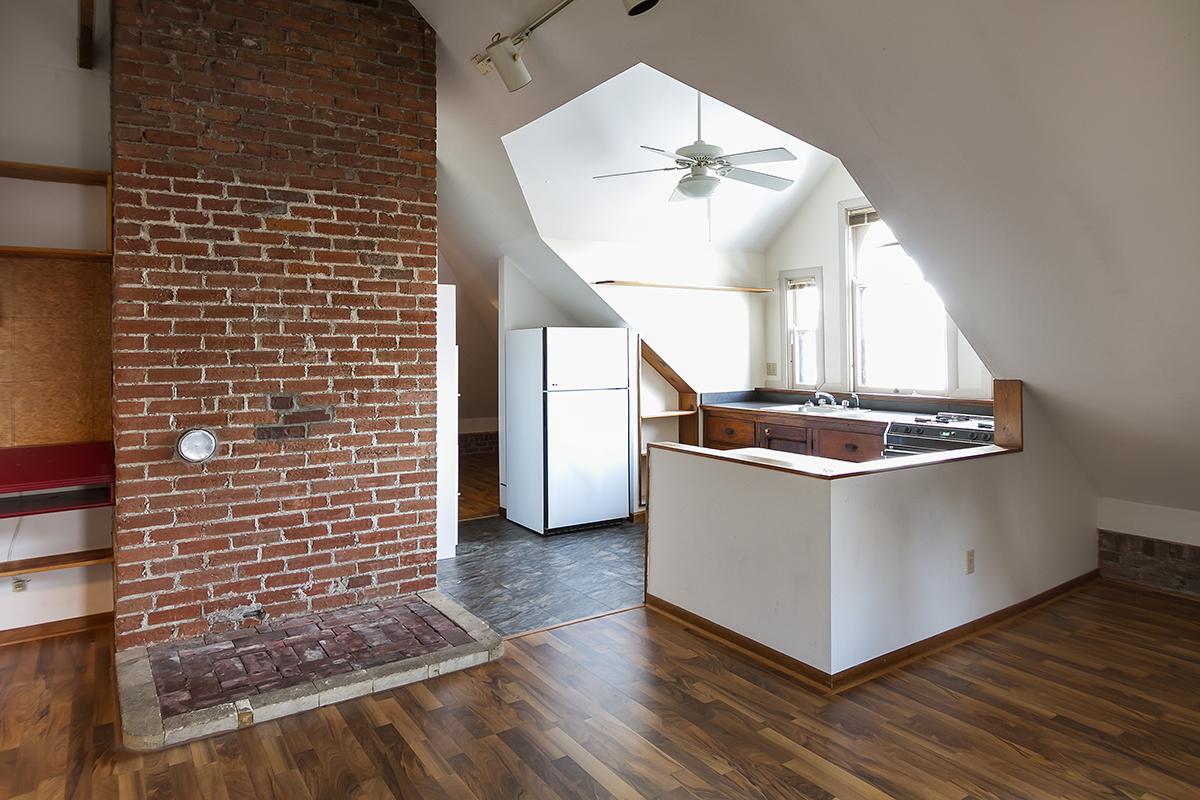 web_third floor kitchen horz.jpg
