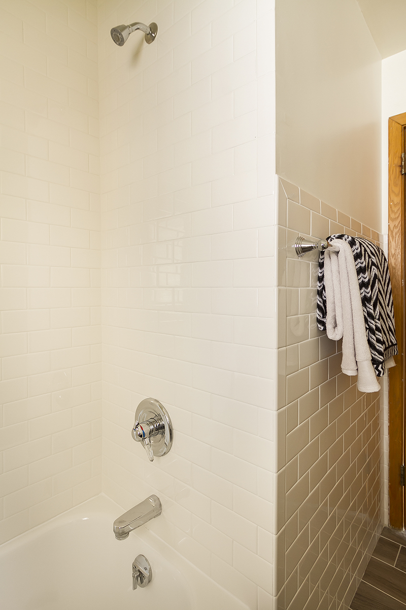 web_bathroom surround.jpg