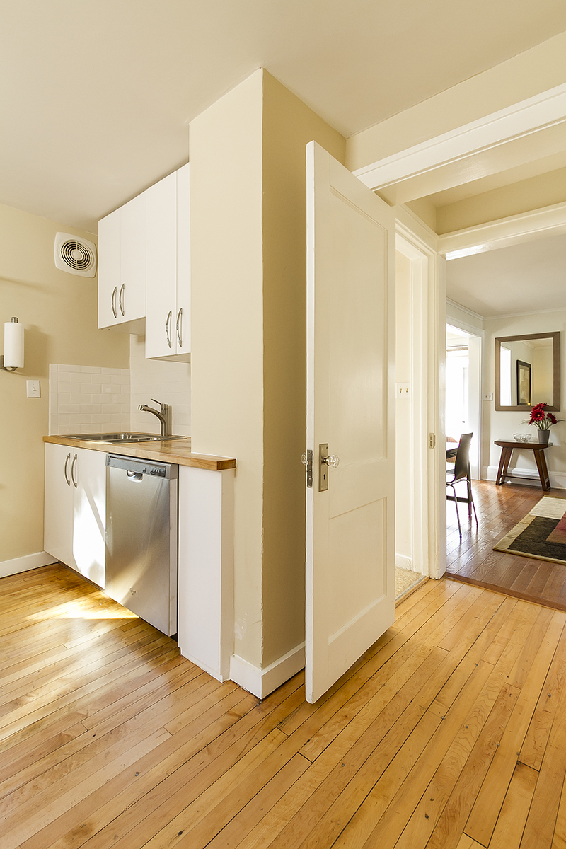 web_kitchen to living.jpg
