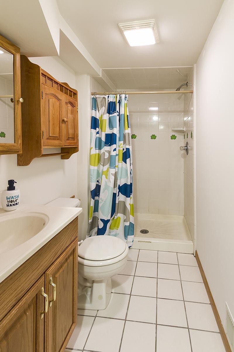 web_bathroom lower.jpg