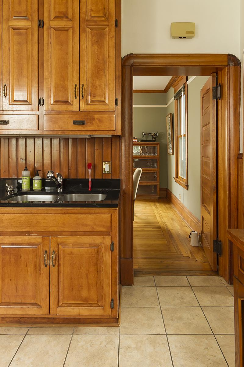 web_kitchen to dining.jpg