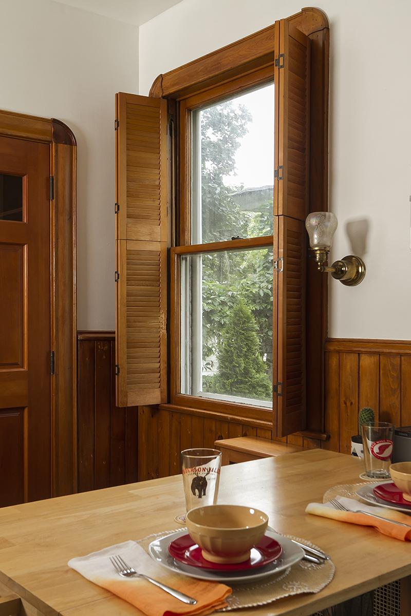 web_kitchen window.jpg