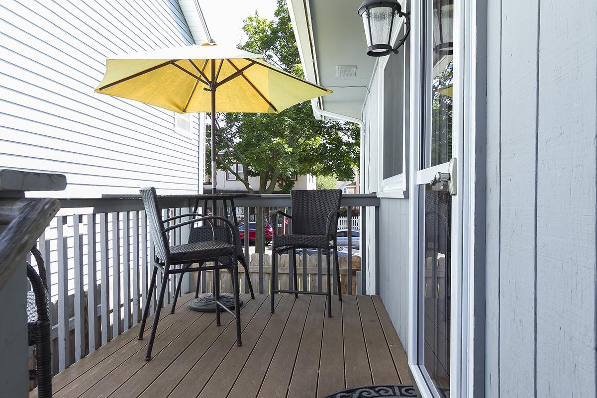 web_deck side yard horz.jpg