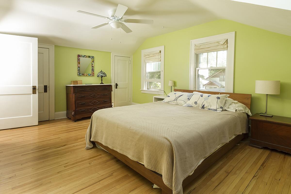 web_bedroom wide.jpg