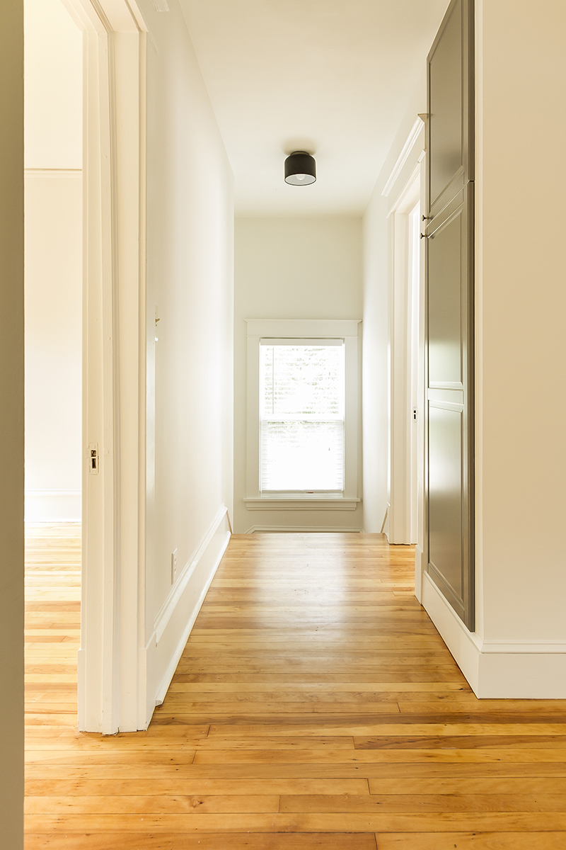 web_upper hallway.jpg