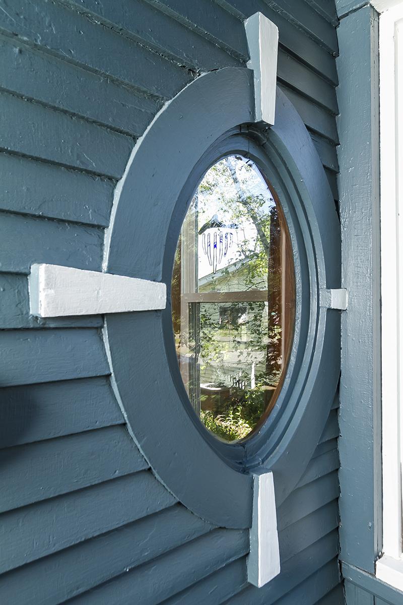 web_porch window.jpg