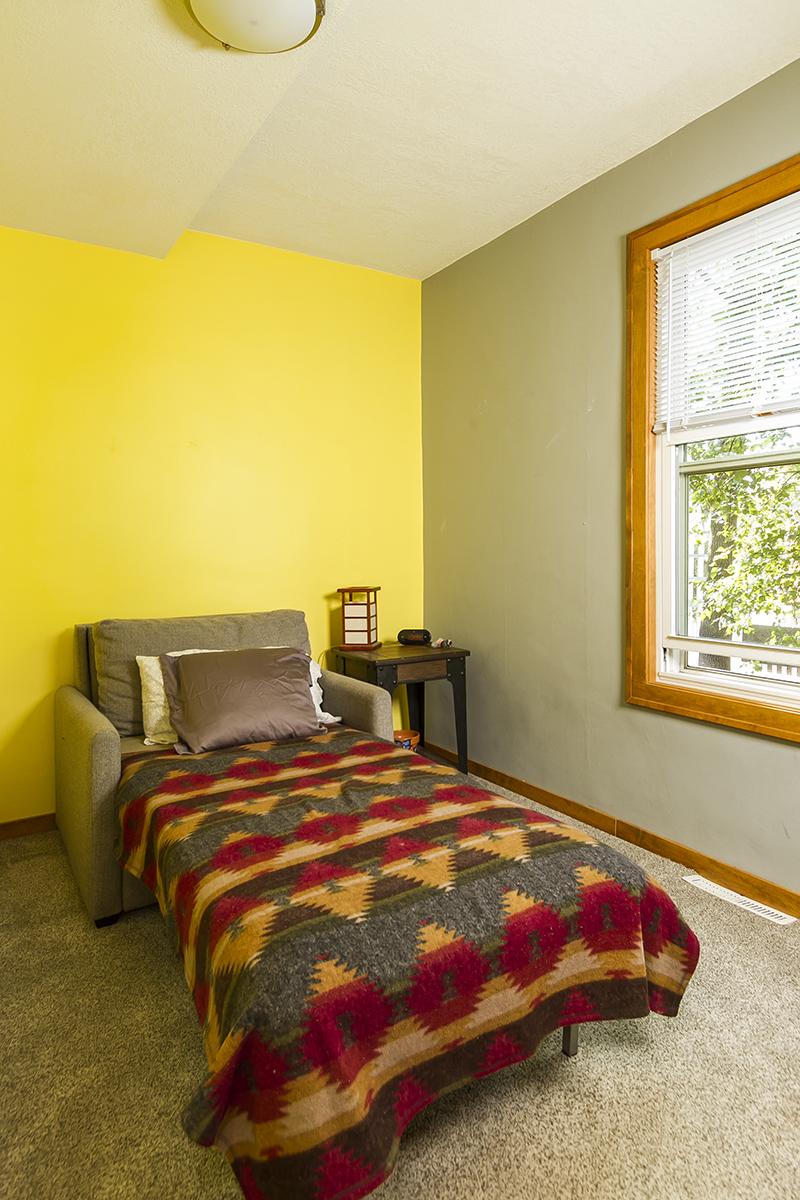 web_bedroom main.jpg