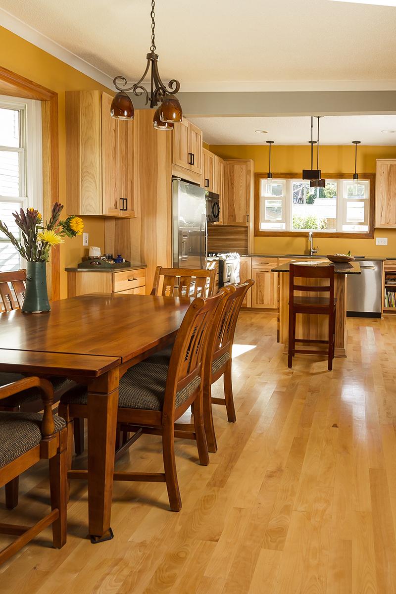 web_dining to kitchen.jpg
