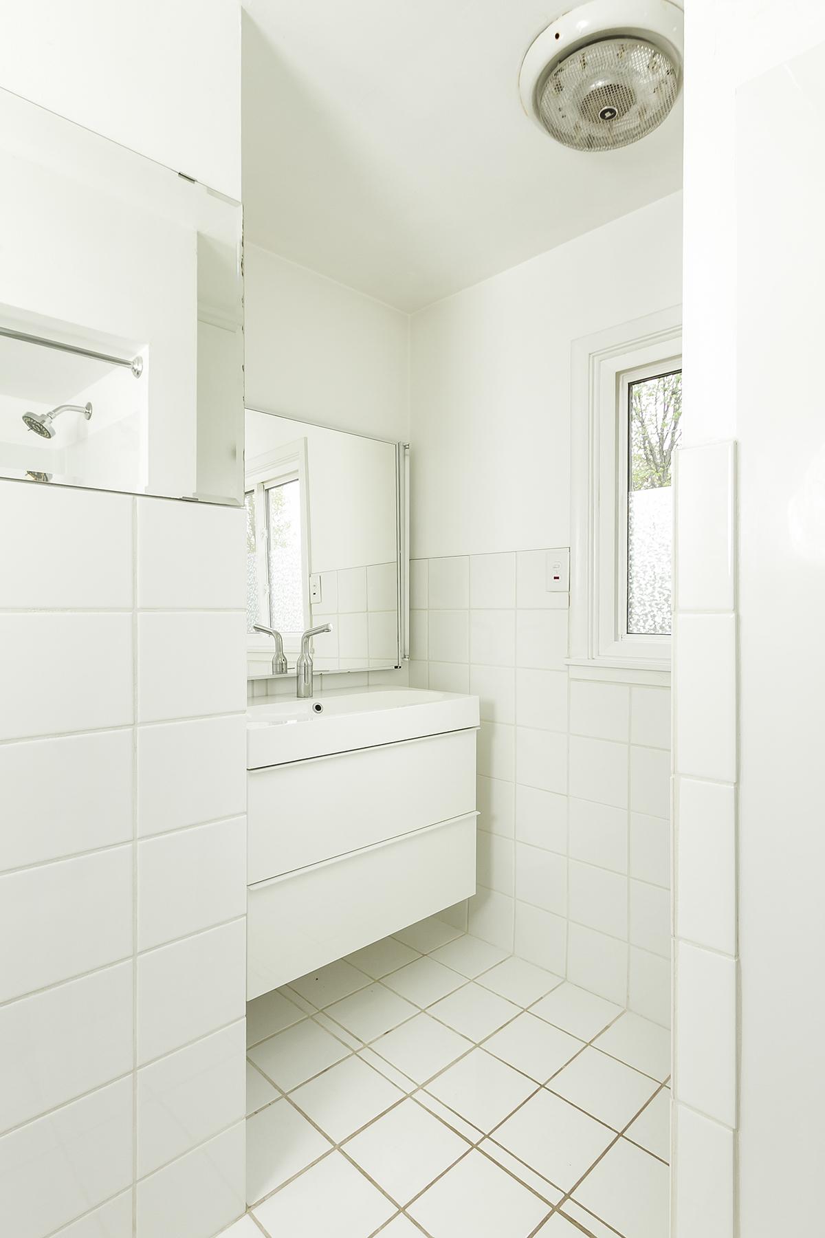 web_bathroom main.jpg