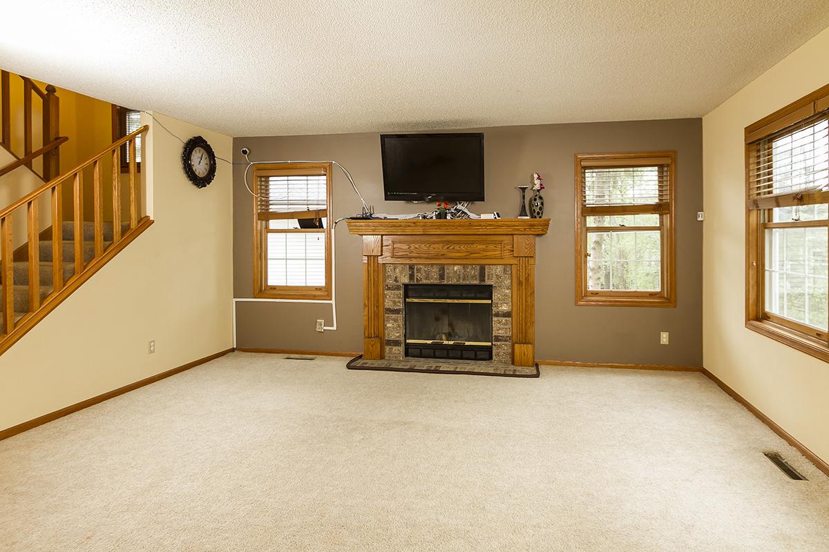 web_living room.jpg