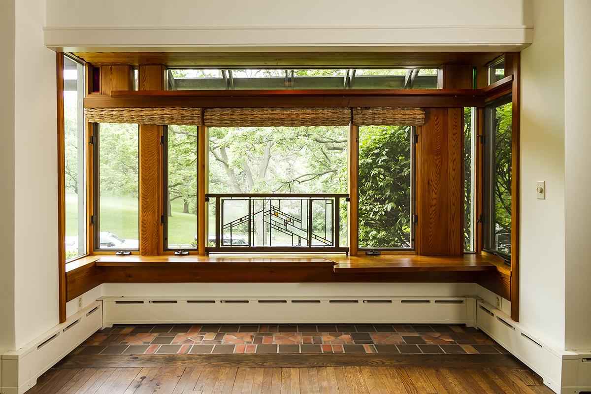 web_living window horz.jpg
