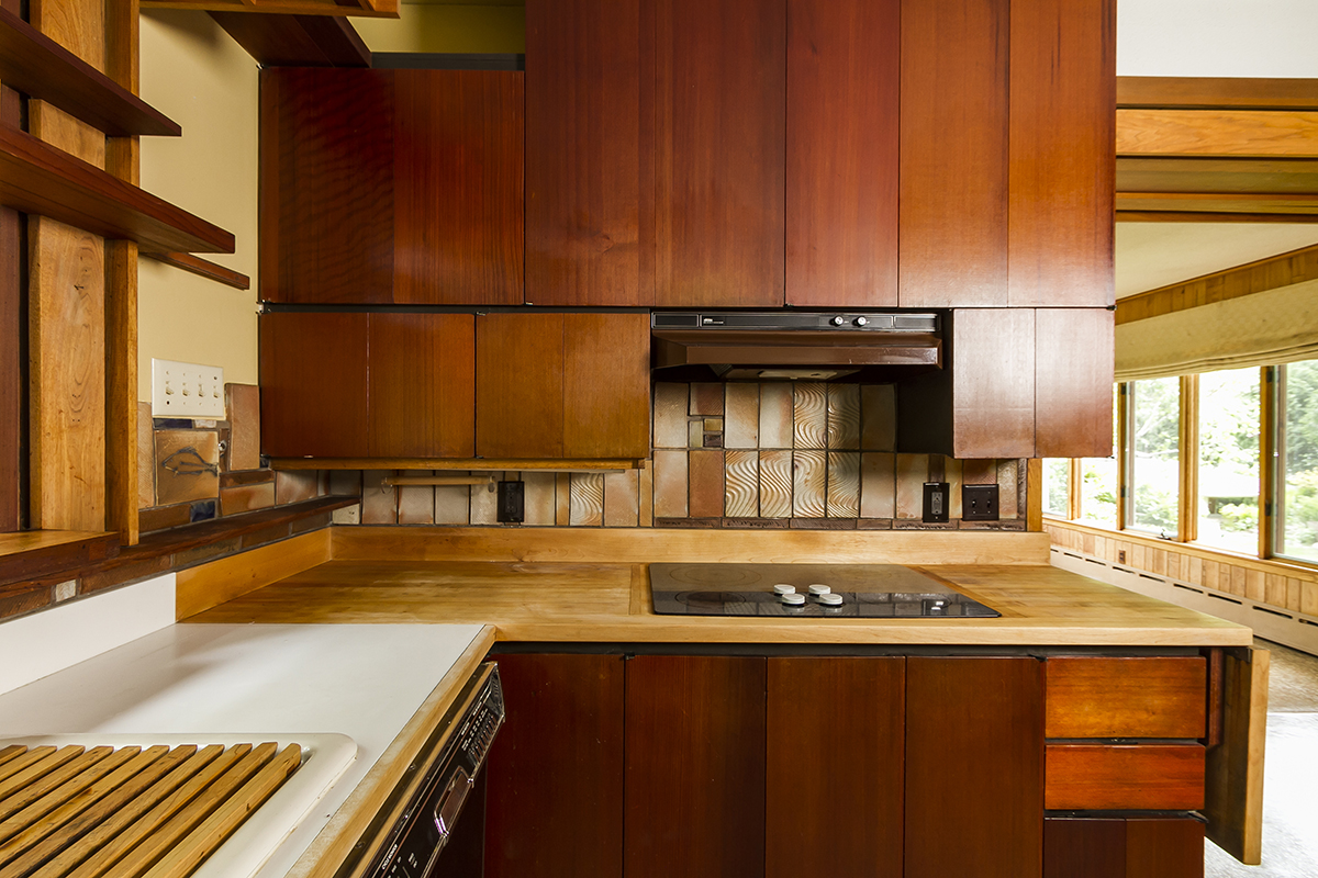 web_kitchen stove top.jpg