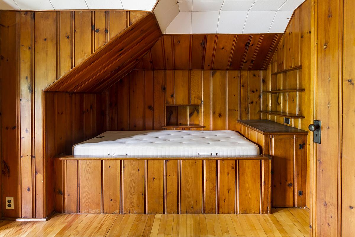 web_bedroom 4.jpg