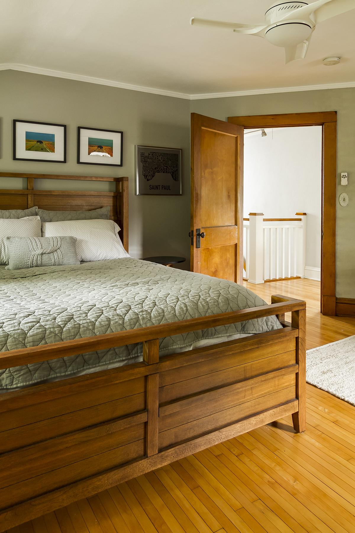 web_bedroom 1_v1_current.jpg