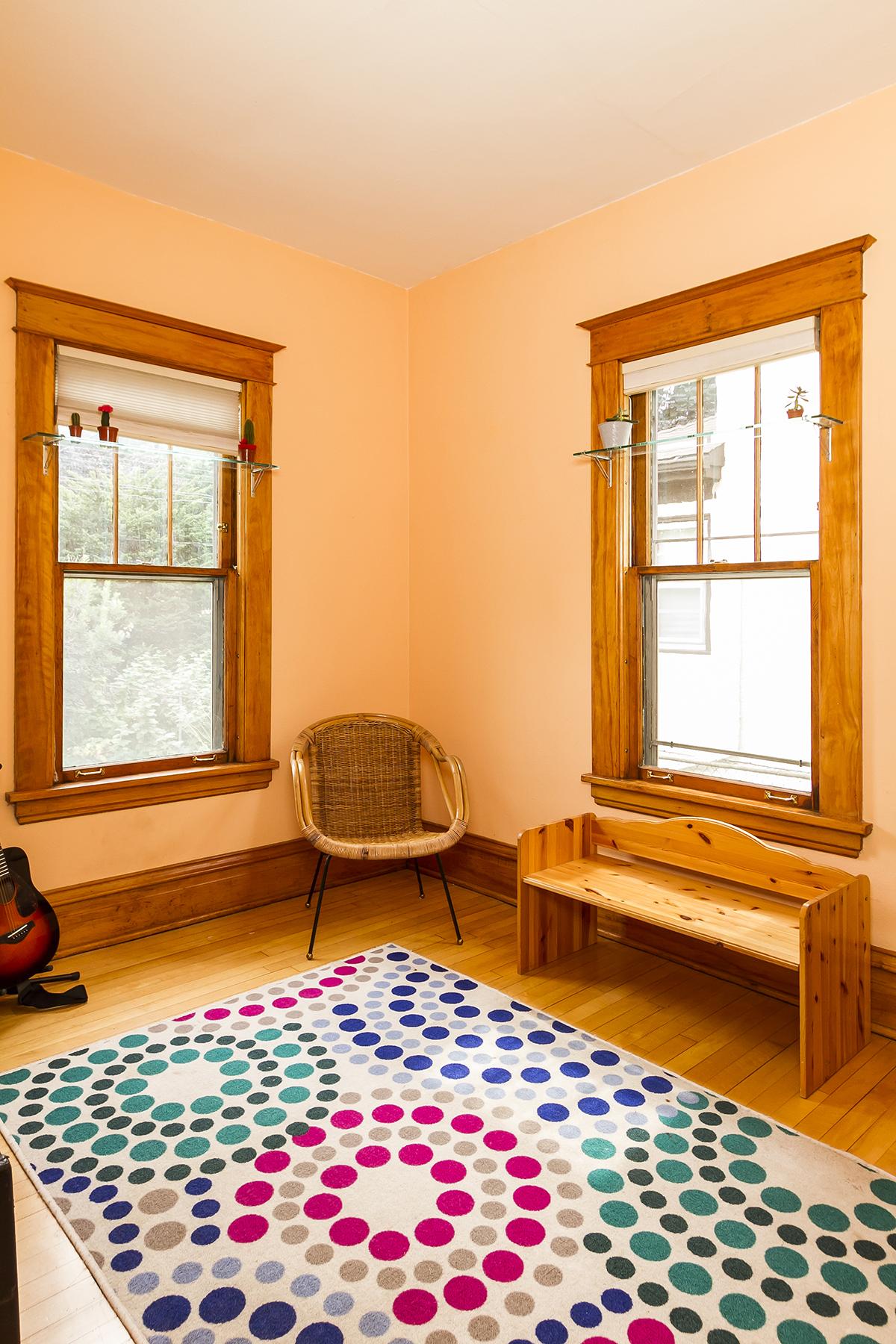 web_bedroom main 2.jpg