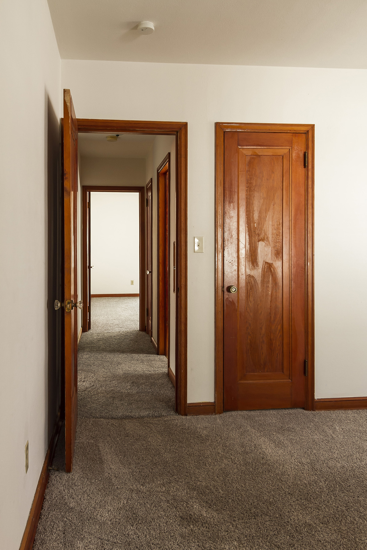 web_bedroom 1 to hallway.jpg