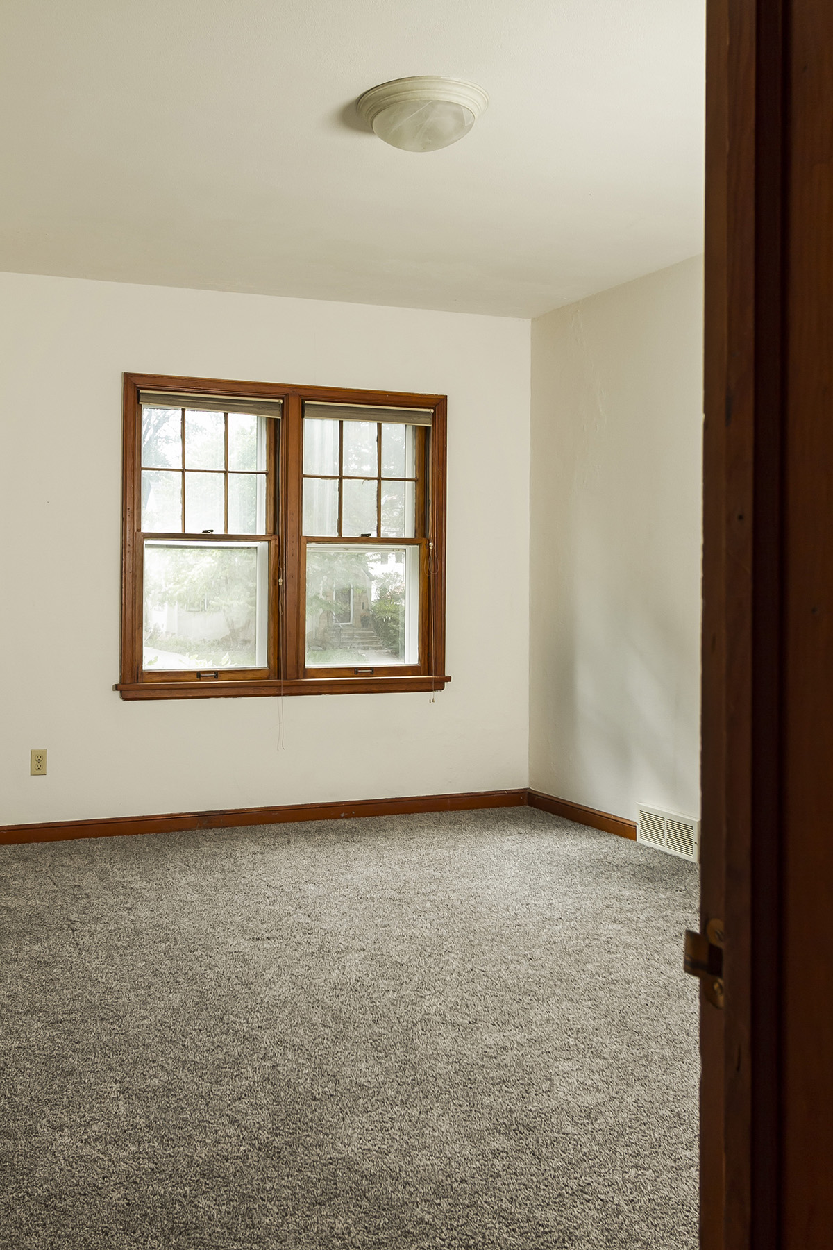 web_bedroom 2.jpg