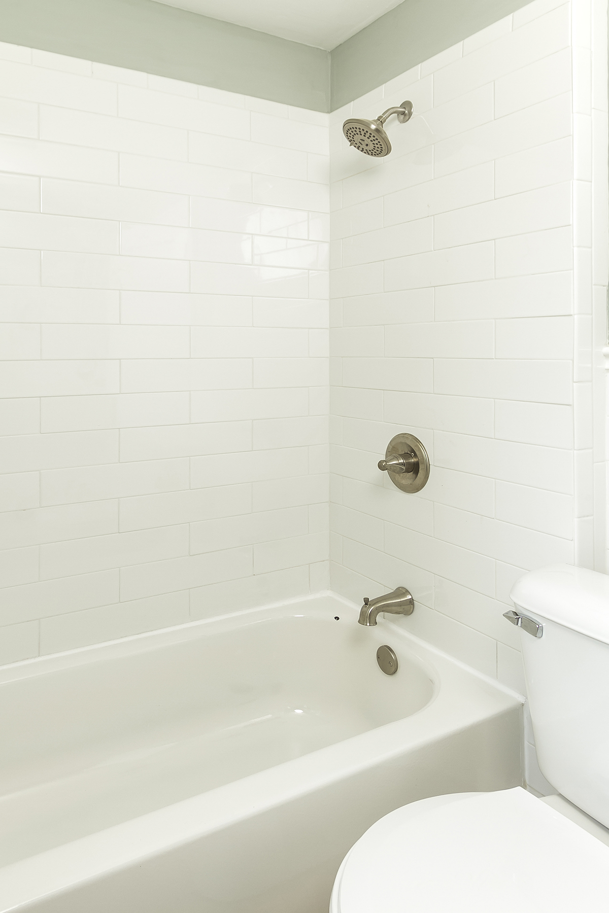 web_bathroom tub surround.jpg