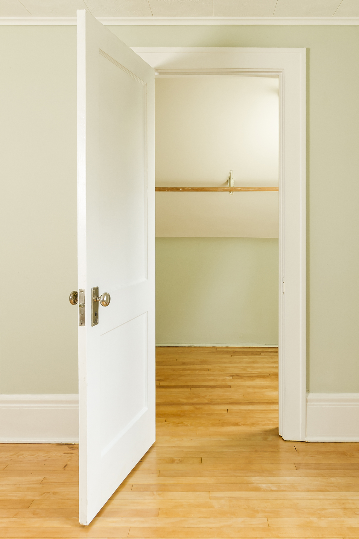 web_bedroom closet.jpg