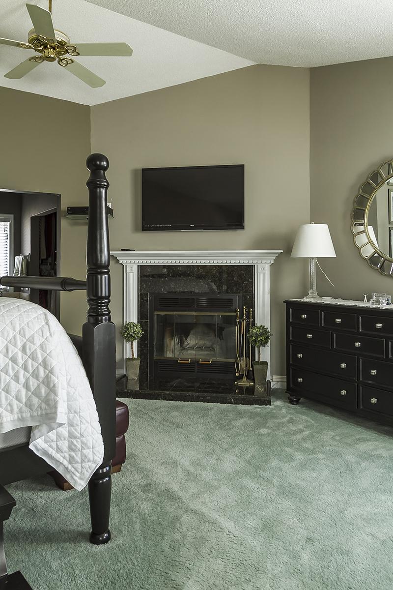 web_bedroom master fireplacee.jpg