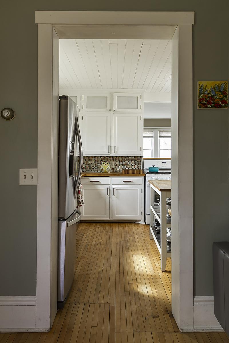 web_living to kitchen threshold.jpg