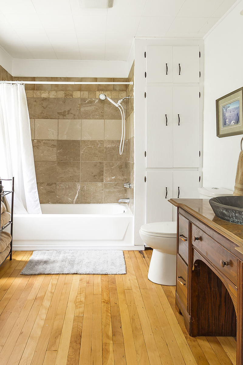 web_bathroom wide.jpg