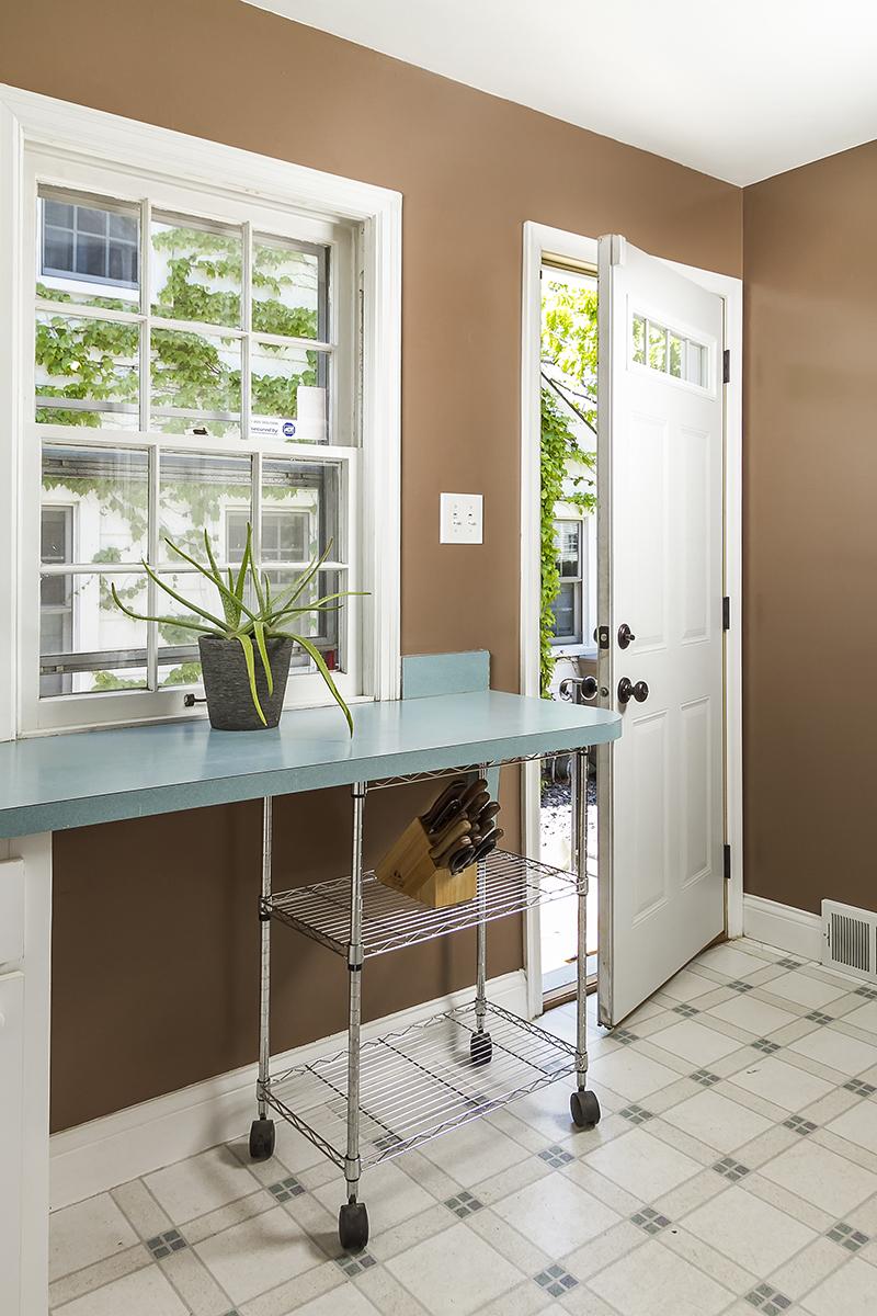 web_kitchen back entry.jpg