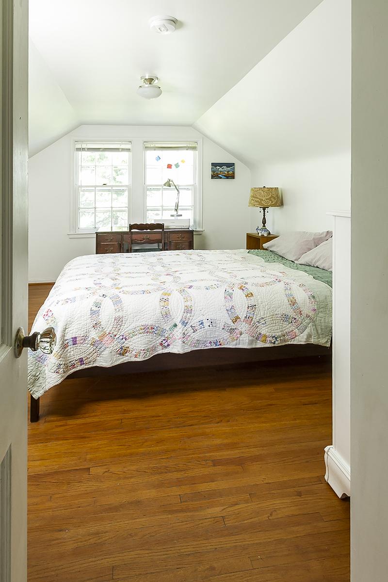 web_bedroom upper 2.jpg