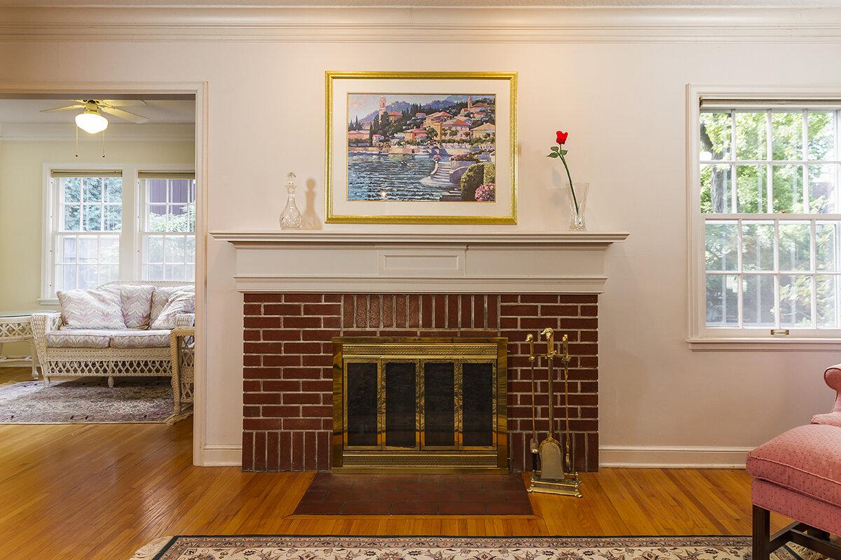 web_living fireplace.jpg