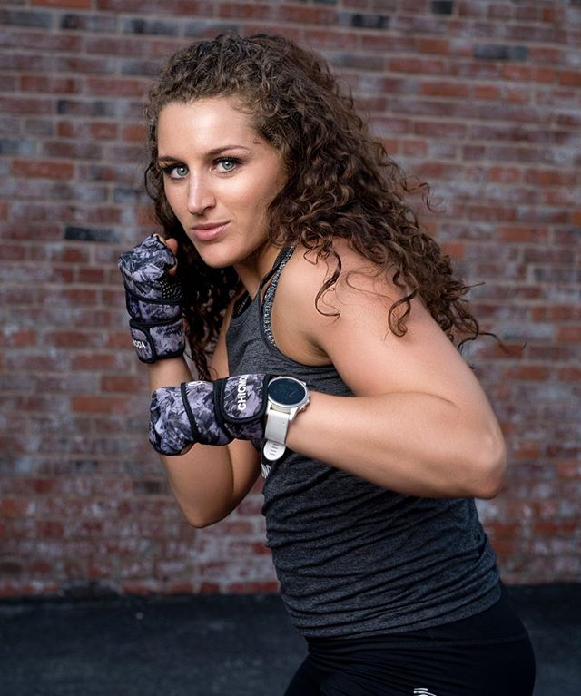 Fitness photo shoot with a  @strongbyzumba babe Alexzis 🙌🏻💪🏻 Coming soon to @bluespringsfieldhouse  #zumba #zumbafitness #strongbyzumba #fitnessinstructor #fitnessphotography #kansascityfitness #kansascityphotographer #kcfitness #kcfitgirls #instakc #bluespringsmo #portrait #flash_mates #strong #boxing #girlswithmuscle #fitphotographer #fitness #fitnessmodel