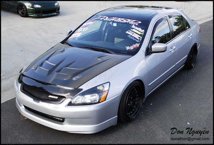 Honda Accord Sedan - Gloss Black Roof Vinyl Car Wrap