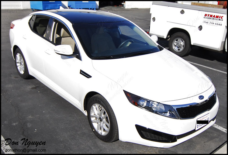 Kia Optima Sedan - Gloss Black Roof Vinyl Car Wrap