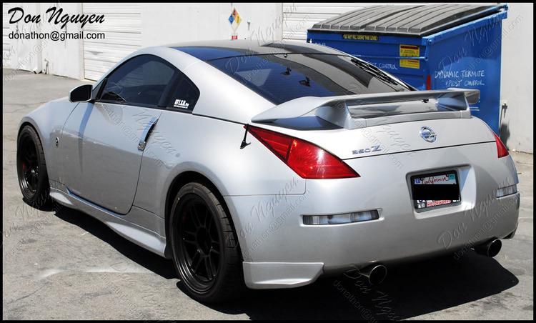 Nissan 350z Coupe - Gloss Black Roof Vinyl Car Wrap