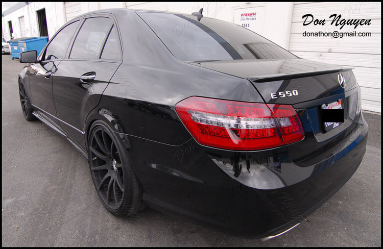 Mercedes Benz E550 Sedan - Gloss Black Window Trim & Tinted Rear Tail Lights Vinyl Car Wrap