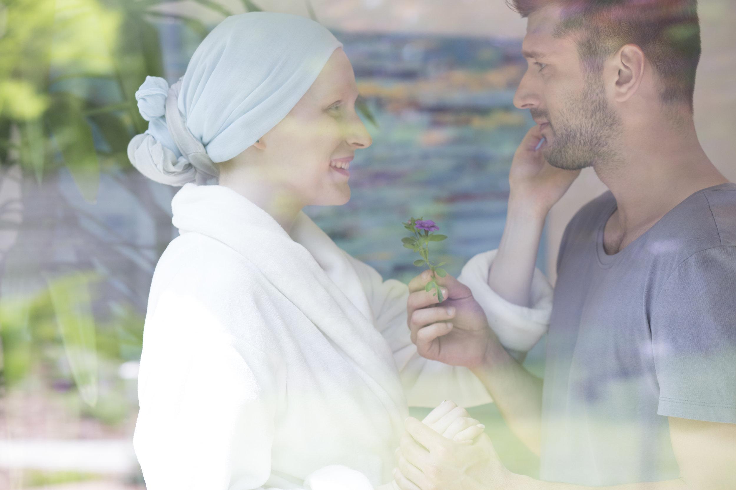 - Échanger avec son partenaire et mettre des mots sur les ressentis de chacun permet de se réorganiser et réfléchir sur le futur.