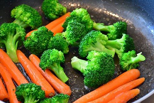 carrots-2106825__340.jpg