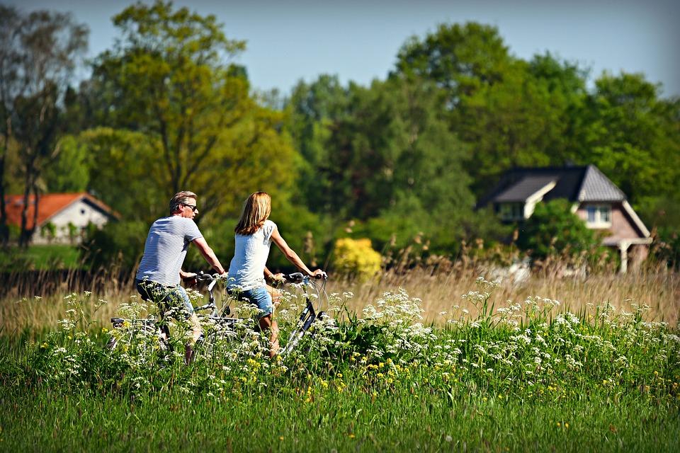 - Des études prouvent que par exemple: l'activité physique améliore non seulement la qualité de vie, mais diminue aussi le risque de récidive de 30%.