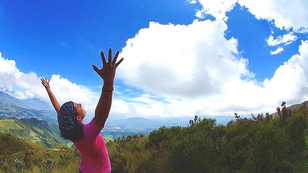 - Pratiquez une activité profondément reposante, comme le Qi Gong, yoga, le Tai-Chi, la pleine conscience, hypnose ou autre….