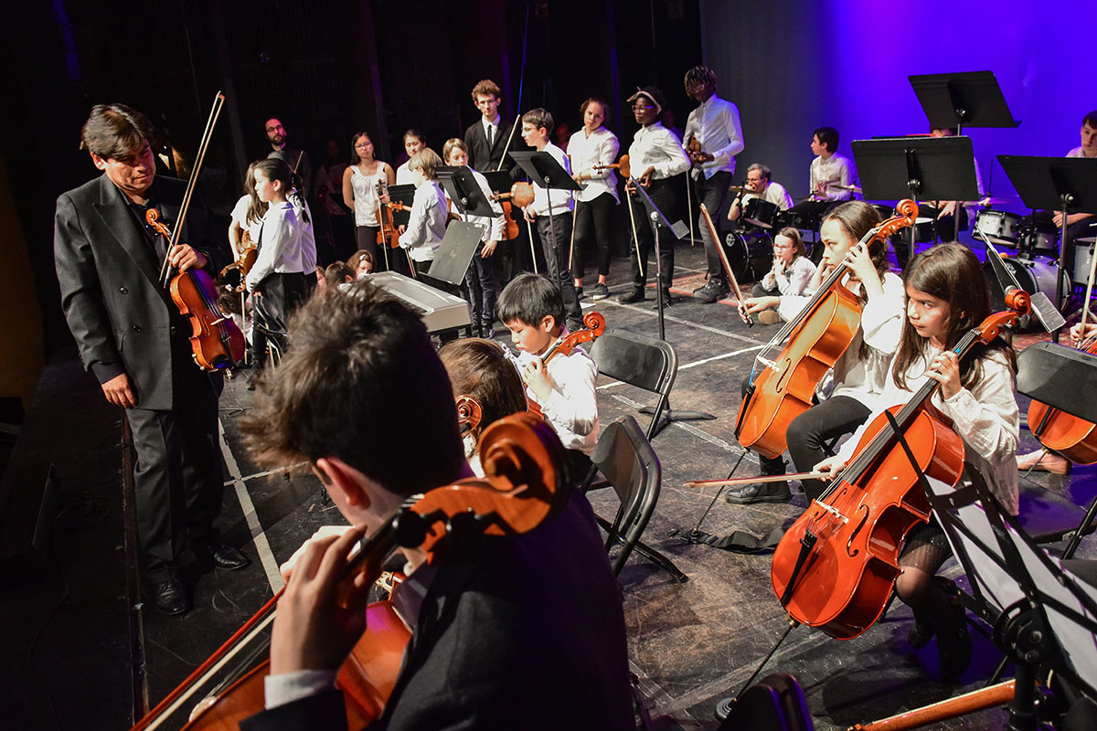 Exchange Concert with Ecold d'Art Musical on the BMS Theater Stage in April 2018.