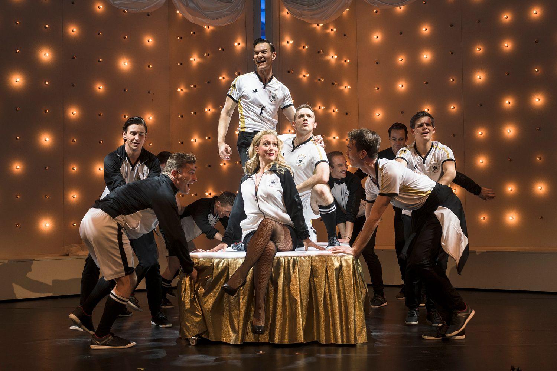 Roxy und ihr Wunderteam - Staatstheater Augsburg 2017