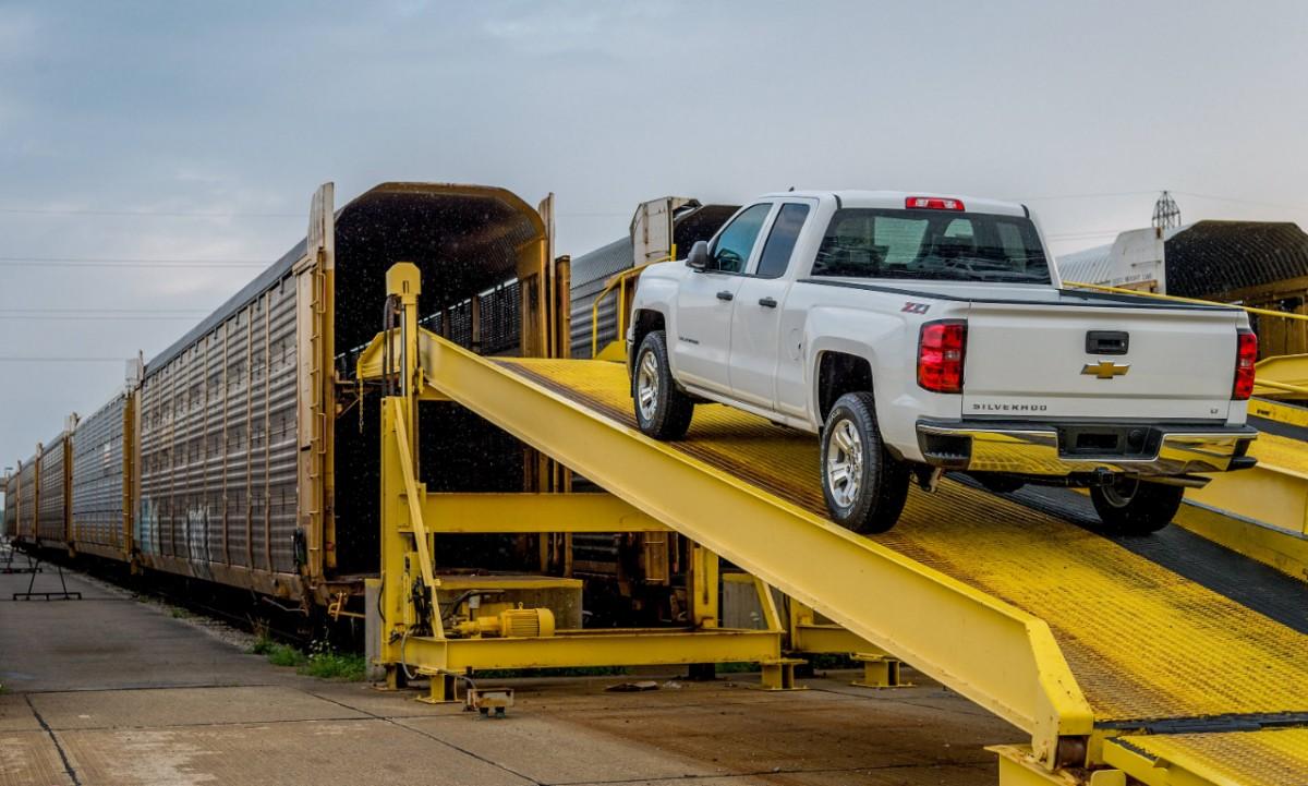 2014-Chevy-Silverado-Shipped-by-Train-1.jpg