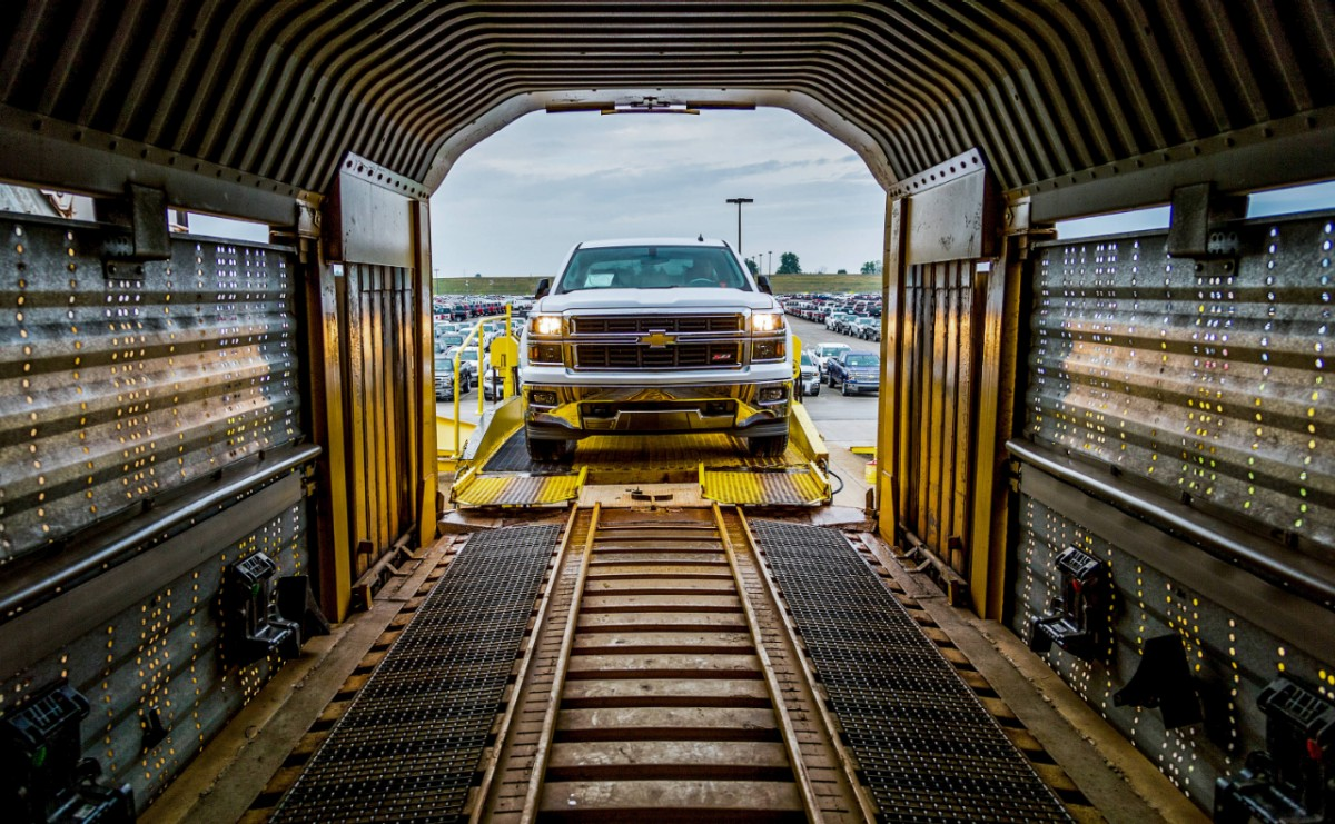 2014-Chevy-Silverado-Shipped-by-Train-3-1.jpg