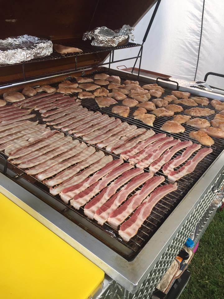 Grill loaded with Bacon & Chicken Breasts
