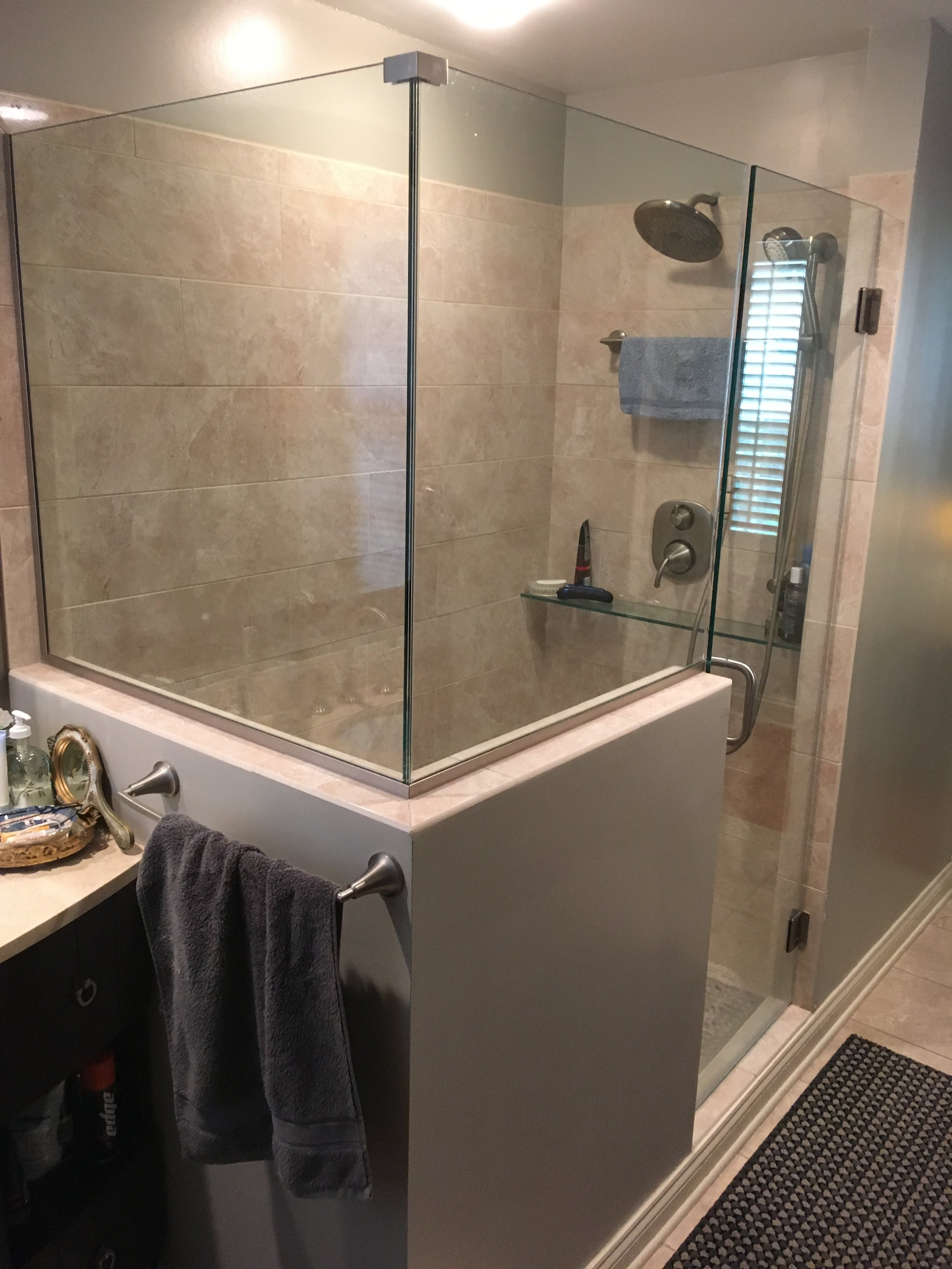 Bathroom2 9-2018.JPG