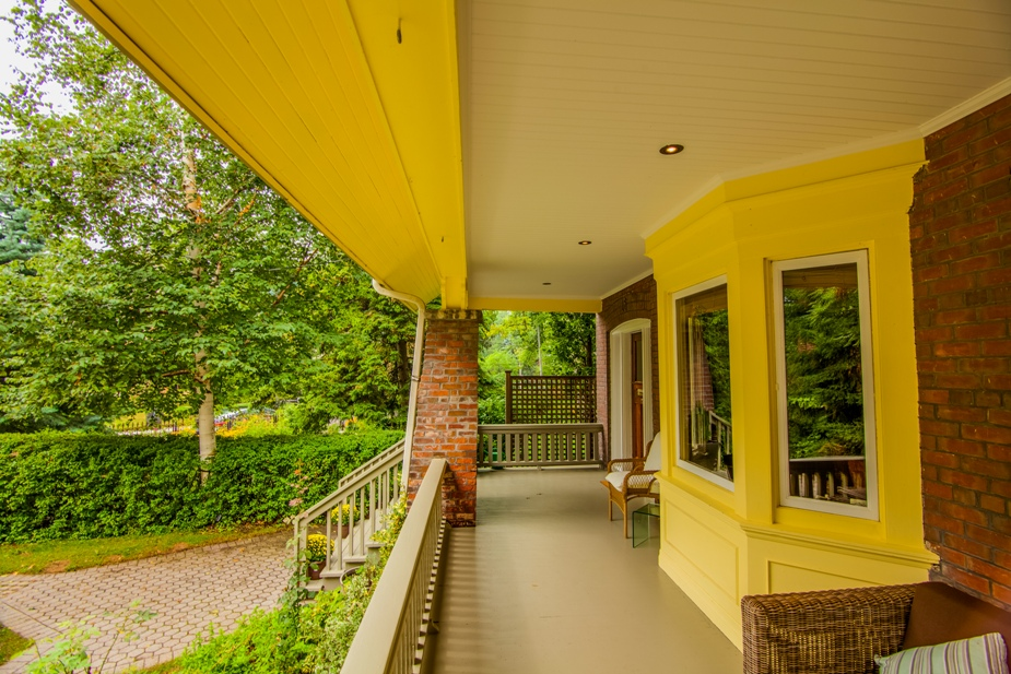 s16 b porch.jpg