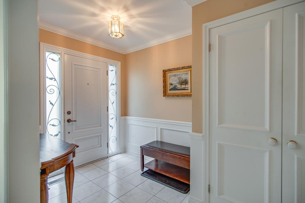 Foyer 42k.jpg