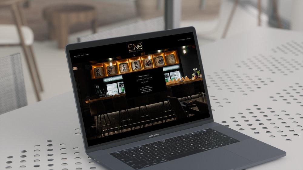UI8-mockups4K-macbook.jpg