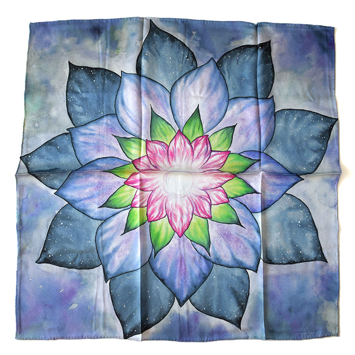 Let's Start - Let's get rid of those sharp folds on your new silk Tarot cloth!