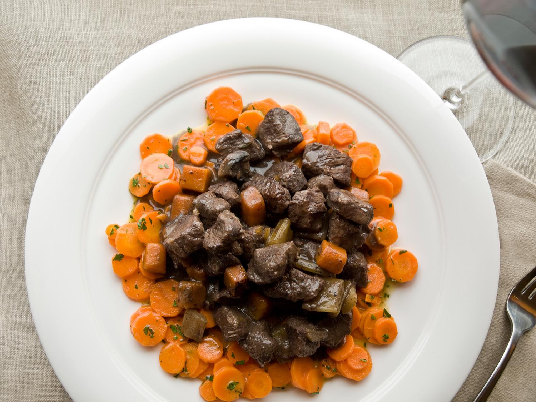avec_eric_ripert_bourguignon-with-carrots.jpg