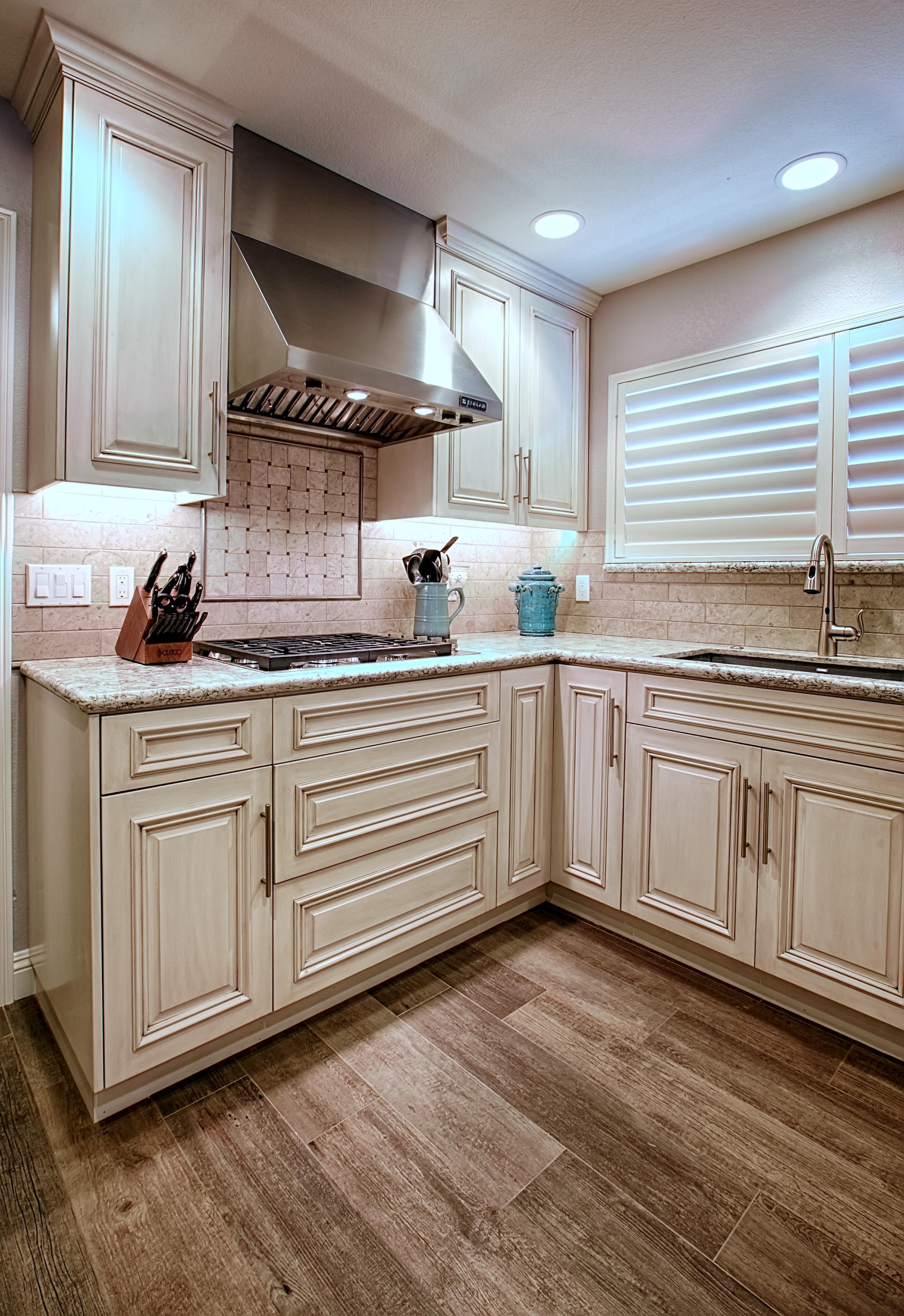 Bolinas kitchen 2.jpg